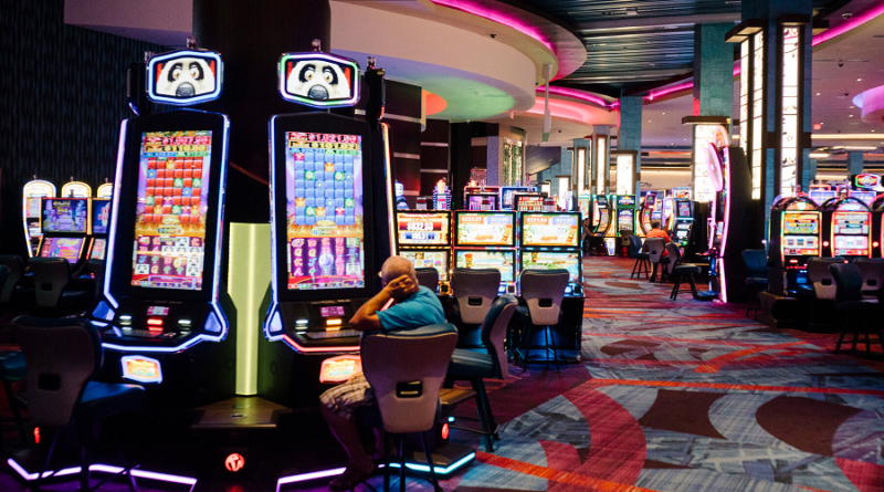 How is playing the Slots made Simple Online?
